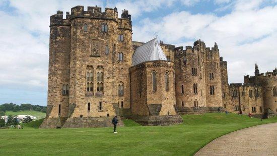 5 cenários de filmes que você poderá visitar - Harry Potter Reino Unido Castelo