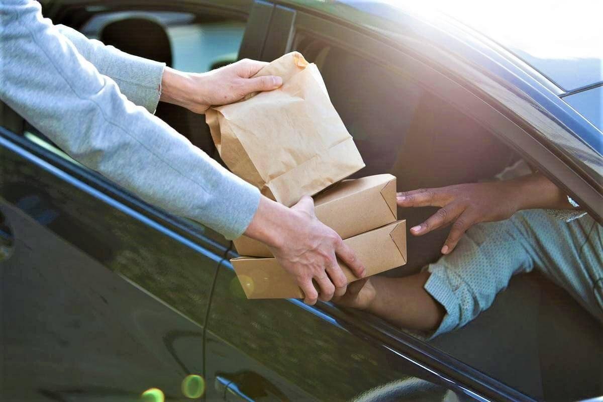 Uber Flash Entrega Mercadorias no Carro ao Cliente